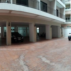 Отель Dynasty Inn Pattaya парковка