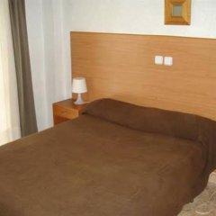 Отель Pensión Santa Fe Испания, Фуэнхирола - отзывы, цены и фото номеров - забронировать отель Pensión Santa Fe онлайн комната для гостей фото 2