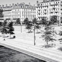 Отель Le Phénix Hôtel Франция, Лион - отзывы, цены и фото номеров - забронировать отель Le Phénix Hôtel онлайн спортивное сооружение