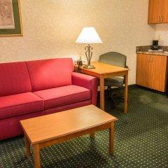 Отель Comfort Suites Wilmington комната для гостей фото 4