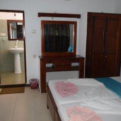 Отель Star Holiday Resort Хиккадува комната для гостей
