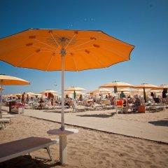 Отель Aurea Италия, Римини - отзывы, цены и фото номеров - забронировать отель Aurea онлайн пляж