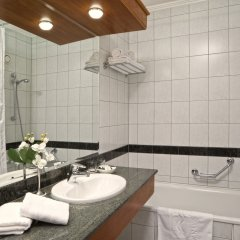 Отель Danubius Health Spa Resort Heviz Венгрия, Хевиз - 5 отзывов об отеле, цены и фото номеров - забронировать отель Danubius Health Spa Resort Heviz онлайн ванная