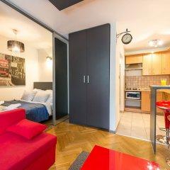 Отель Accommodo Apartament Emilii Plater Польша, Варшава - отзывы, цены и фото номеров - забронировать отель Accommodo Apartament Emilii Plater онлайн комната для гостей фото 3