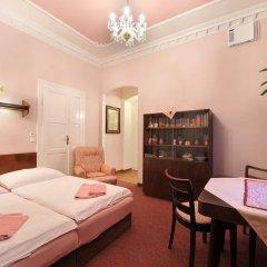 Отель Pension Amadeus комната для гостей