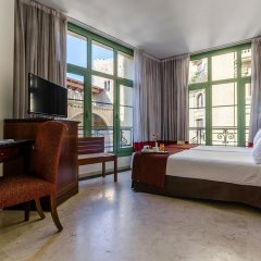 Отель Exe Laietana Palace Испания, Барселона - 4 отзыва об отеле, цены и фото номеров - забронировать отель Exe Laietana Palace онлайн комната для гостей фото 5