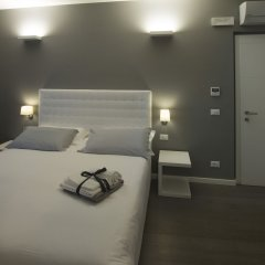 Отель Midnight in Genova Генуя сейф в номере