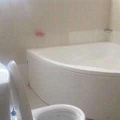Отель Malbert Inn Guest House Гана, Аккра - отзывы, цены и фото номеров - забронировать отель Malbert Inn Guest House онлайн ванная