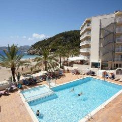 Отель Grupotel Cala San Vicente Испания, Сен-Жуан-де-Лабриджа - отзывы, цены и фото номеров - забронировать отель Grupotel Cala San Vicente онлайн бассейн