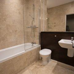 Отель StayCentral Apartments - Buchanan Street Великобритания, Глазго - отзывы, цены и фото номеров - забронировать отель StayCentral Apartments - Buchanan Street онлайн ванная