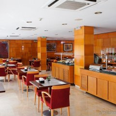 Отель NH Barcelona Les Corts Испания, Барселона - 1 отзыв об отеле, цены и фото номеров - забронировать отель NH Barcelona Les Corts онлайн питание фото 2