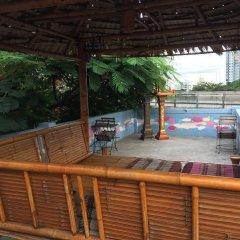 Отель Padi Madi Guest House Бангкок бассейн