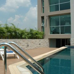 Апартаменты Bangkok Living Apartment Бангкок бассейн фото 2