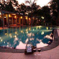 Отель Chaarya Resort & Spa by Chandrika бассейн
