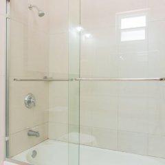 Отель Eight 11 by Pro Homes Jamaica ванная