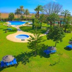 Отель Devesa Gardens Camping & Resort спортивное сооружение
