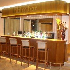 Апартаменты One Bedroom Apartment with Balcony in Avalon Complex гостиничный бар