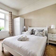 Отель Light 2-bed West End Apt Overlooking Kelvingrove Museum Глазго комната для гостей