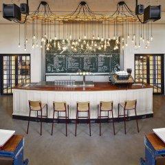 Отель Generator Amsterdam Нидерланды, Амстердам - 3 отзыва об отеле, цены и фото номеров - забронировать отель Generator Amsterdam онлайн гостиничный бар