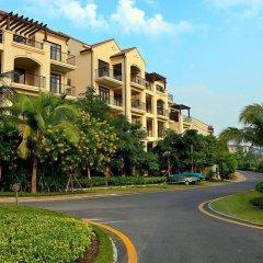 Апартаменты Tujia Sweetome Vacation Apartment Yalong Bay парковка