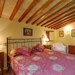 Отель Borgo Acquaiura Сполето сейф в номере