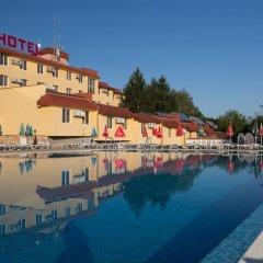 Отель Zornica Hotel Болгария, Казанлак - отзывы, цены и фото номеров - забронировать отель Zornica Hotel онлайн бассейн фото 2