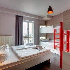 MEININGER Hotel Berlin Alexanderplatz 2* Кровать в общем номере с двухъярусной кроватью