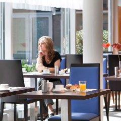 Отель Novotel Zurich City West интерьер отеля фото 3