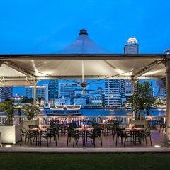 Отель The Peninsula Bangkok Таиланд, Бангкок - 1 отзыв об отеле, цены и фото номеров - забронировать отель The Peninsula Bangkok онлайн бассейн фото 2