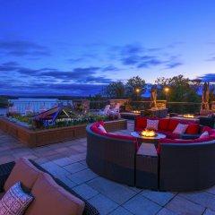 Отель JW Marriott The Rosseau Muskoka Resort гостиничный бар
