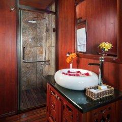 Отель Halong Royal Palace Cruise ванная фото 2