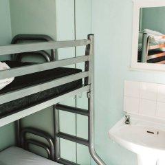 Отель Clink 261 Hostel Великобритания, Лондон - 1 отзыв об отеле, цены и фото номеров - забронировать отель Clink 261 Hostel онлайн ванная