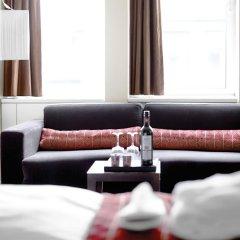 Отель The Square Дания, Копенгаген - отзывы, цены и фото номеров - забронировать отель The Square онлайн комната для гостей фото 4