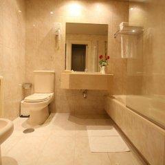 Отель Motel Aeropuerto Испания, Вилабоа - отзывы, цены и фото номеров - забронировать отель Motel Aeropuerto онлайн ванная фото 2