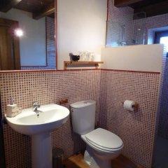 Отель Rural Bioclimático Sabinares del Arlanza Испания, Когольос - отзывы, цены и фото номеров - забронировать отель Rural Bioclimático Sabinares del Arlanza онлайн ванная