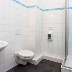 Отель Industriepalast Hostel & Hotel Berlin Германия, Берлин - 7 отзывов об отеле, цены и фото номеров - забронировать отель Industriepalast Hostel & Hotel Berlin онлайн ванная фото 2
