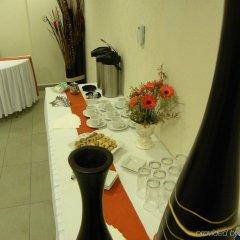 Отель Holiday Inn Express Guadalajara Expo интерьер отеля