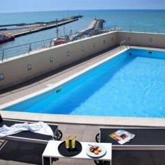 Hotel Tiber бассейн