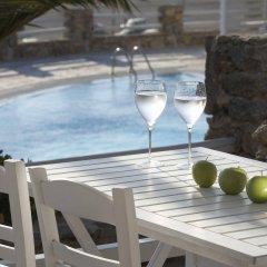 Porto Mykonos Hotel бассейн