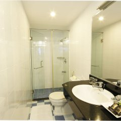 Отель Starlet Hotel Вьетнам, Нячанг - 2 отзыва об отеле, цены и фото номеров - забронировать отель Starlet Hotel онлайн ванная