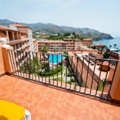 Отель Bahia Tropical Альмуньекар балкон