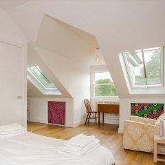 Апартаменты 2 Bedroom Apartment With Park Views in Brixton комната для гостей