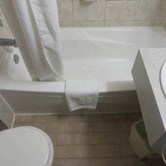 Отель Howard Johnson Hotel Yorkville Канада, Торонто - отзывы, цены и фото номеров - забронировать отель Howard Johnson Hotel Yorkville онлайн ванная фото 2