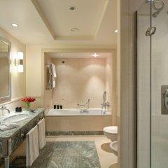 Отель Rocco Forte Hotel Amigo Бельгия, Брюссель - 1 отзыв об отеле, цены и фото номеров - забронировать отель Rocco Forte Hotel Amigo онлайн ванная