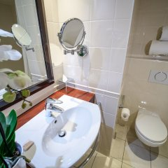 Отель Hôtel Concorde Montparnasse ванная фото 2