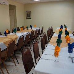 Hotel Four Seasons Кингстон помещение для мероприятий