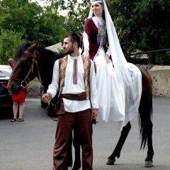 Отель Garnitoun Армения, Лусарат - отзывы, цены и фото номеров - забронировать отель Garnitoun онлайн приотельная территория фото 2