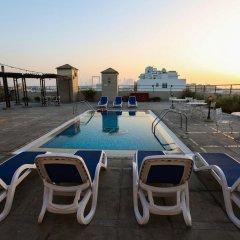Отель Ramee Royal Hotel ОАЭ, Дубай - отзывы, цены и фото номеров - забронировать отель Ramee Royal Hotel онлайн бассейн фото 2