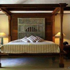 Отель Atta Kamaya Resort and Villas сейф в номере
