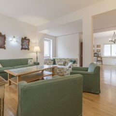 Апартаменты Micheli 4 Pax Apartment with Terrace комната для гостей фото 3